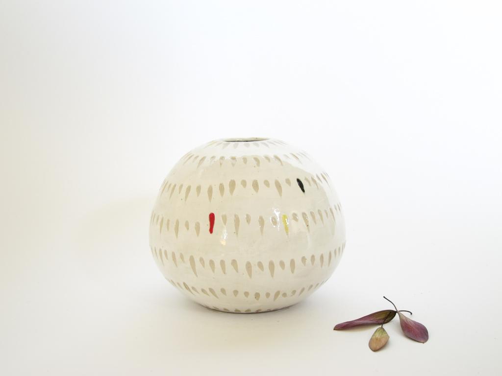 Azzone Alessandra Handmade, carving, ceramics, pottery, small, stoneware, vase, white